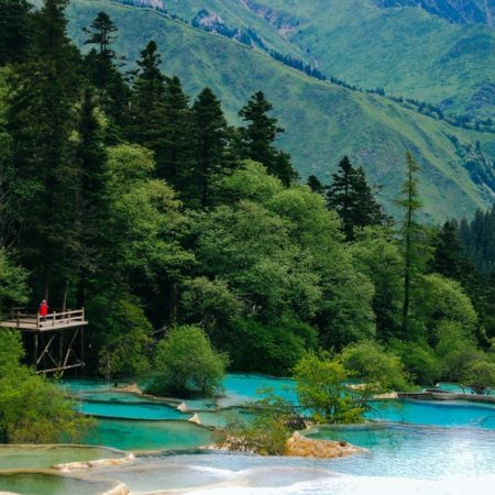 Jiuzhaigou Valley – one of the beautiful wonderlands on the earth