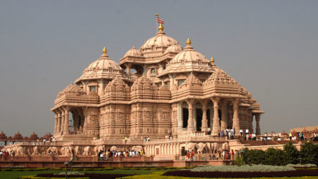 The Akshardham Temple in Delhi: A Place To Connect With The Almighty